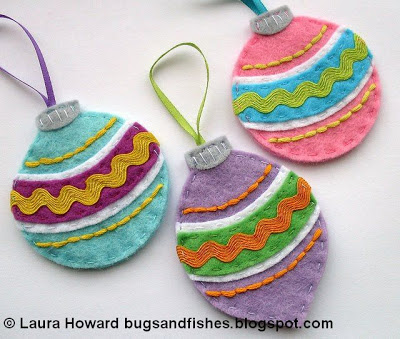 Easy felt christmas ornaments to make with kids ur kids world felt baubles solutioingenieria Gallery
